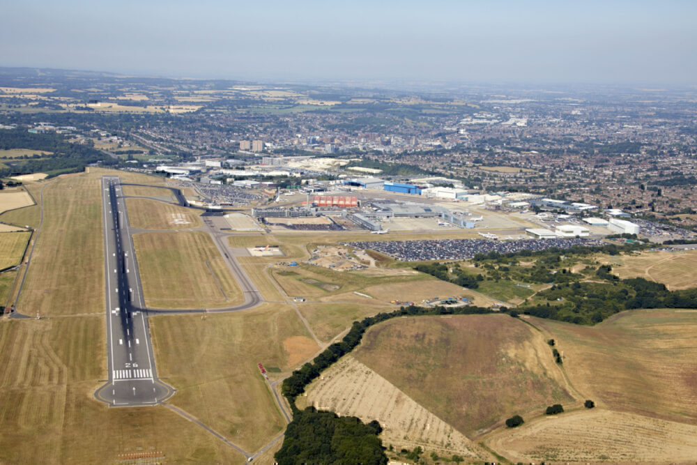 Luton Airport, Runway, Numbers Changed