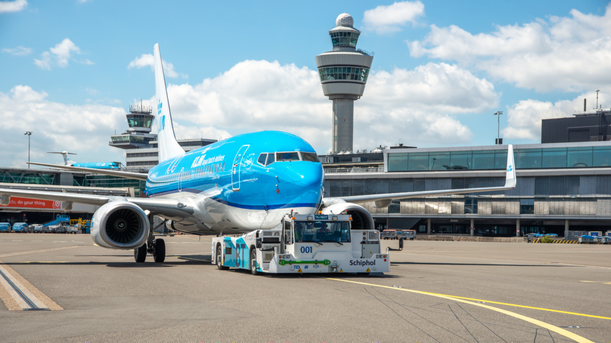 KLM Tests Out New Sustainable Taxiing Technology