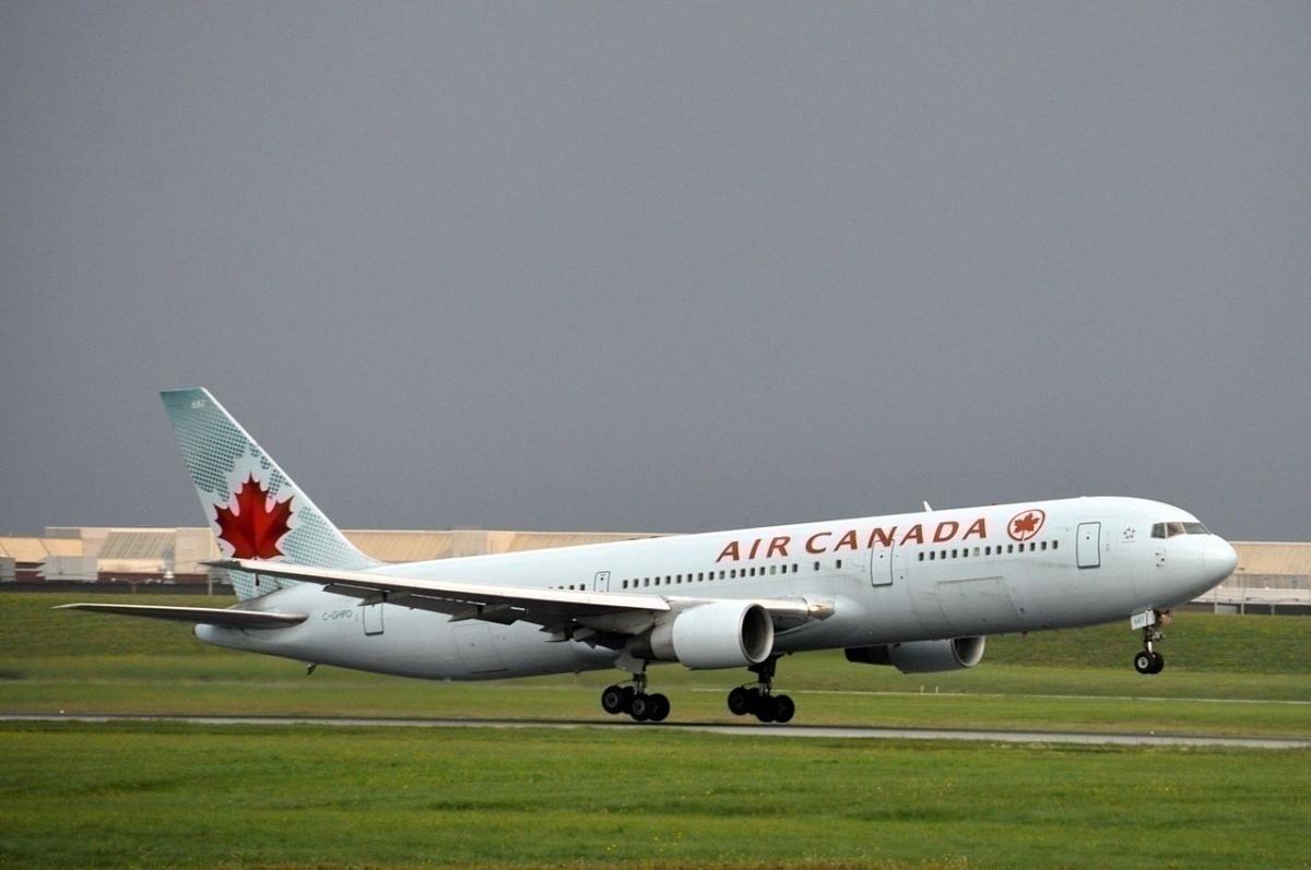 1280px-Air_Canada_Boeing_767_C-GHPD