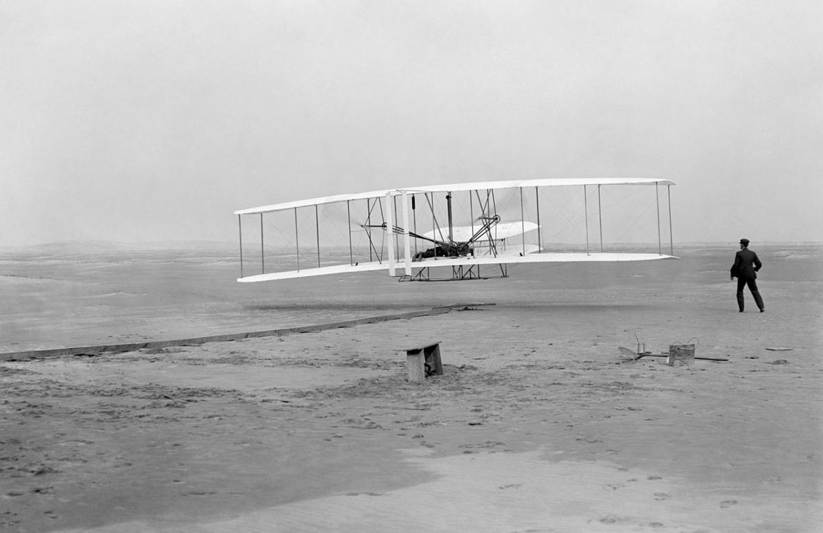 1280px-First_flight3