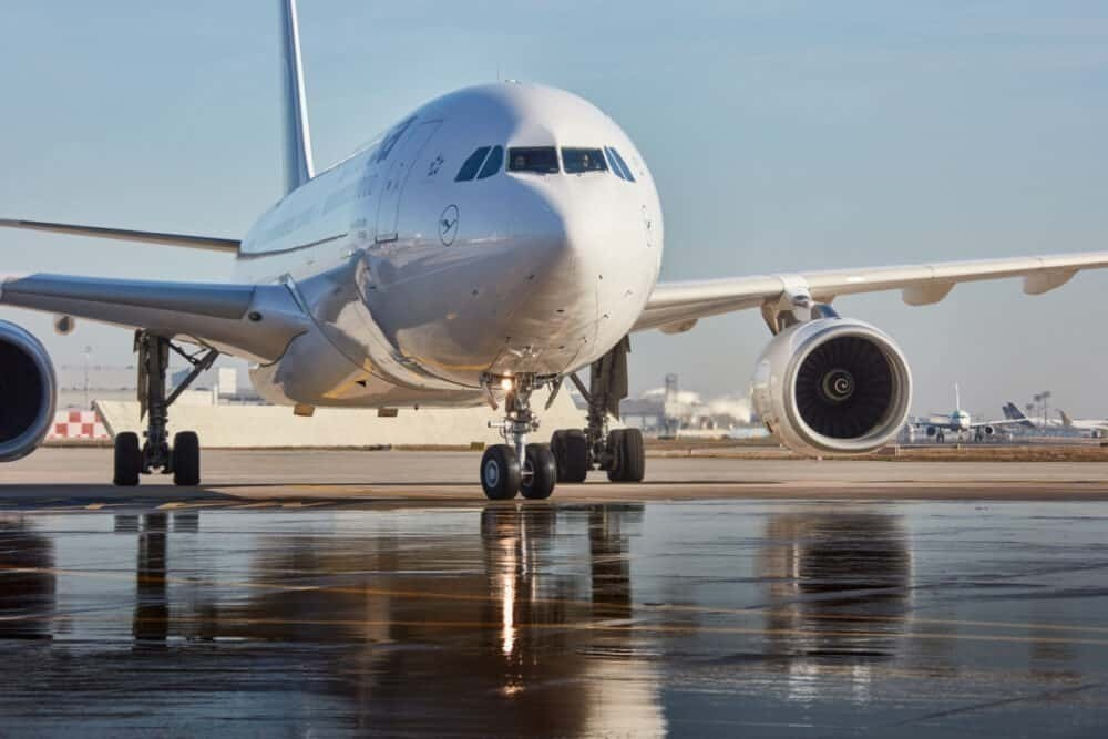Lufthansa, Masks, Social Distancing