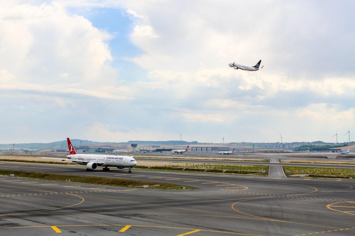 Istanbul Airport Runway