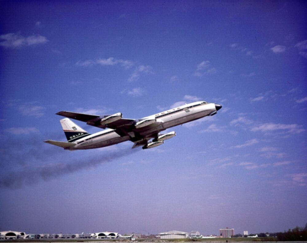 Convair 880 Delta