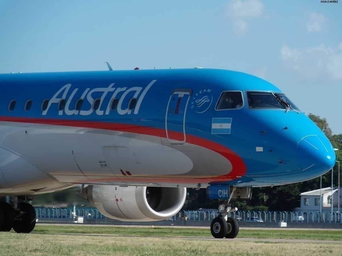 Pictures: Austral Lineas Aeras ERJ190 Loses Nose Wheel On Arrival