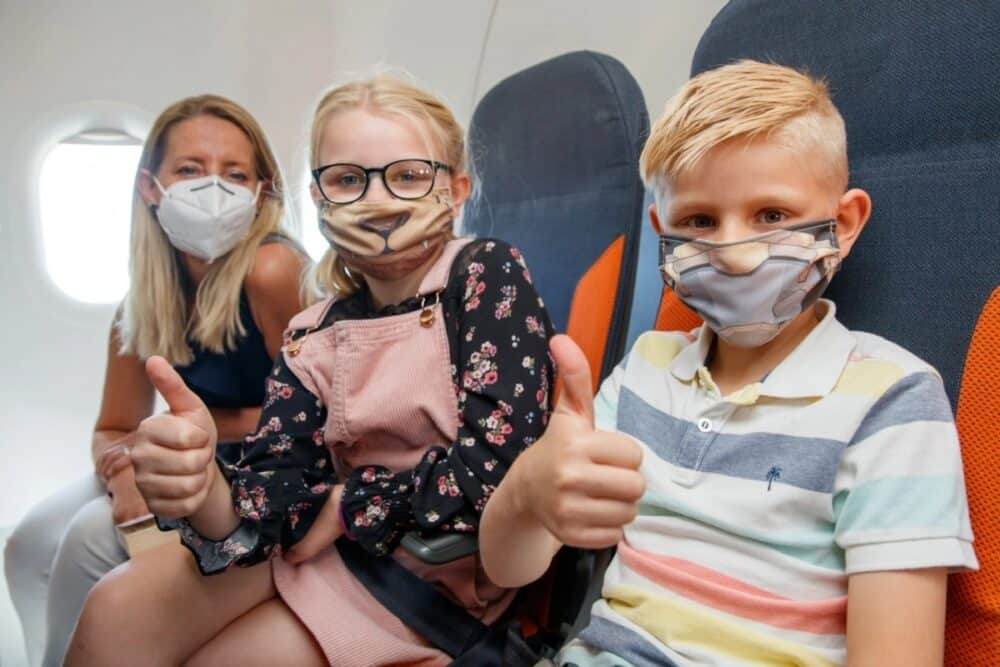 Face masks easyJet