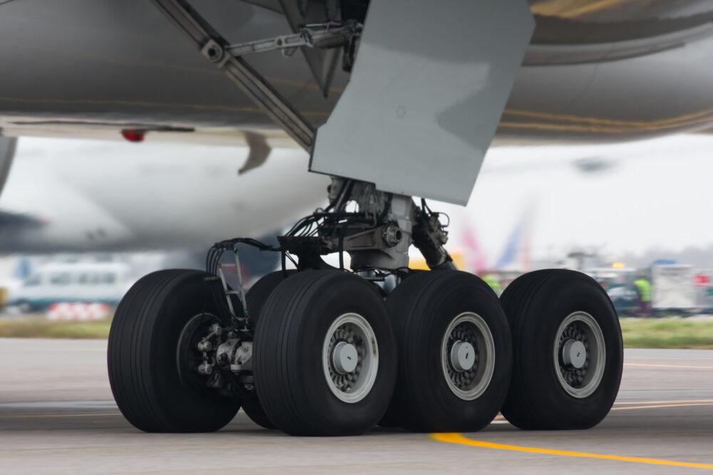 777-300 landing gear