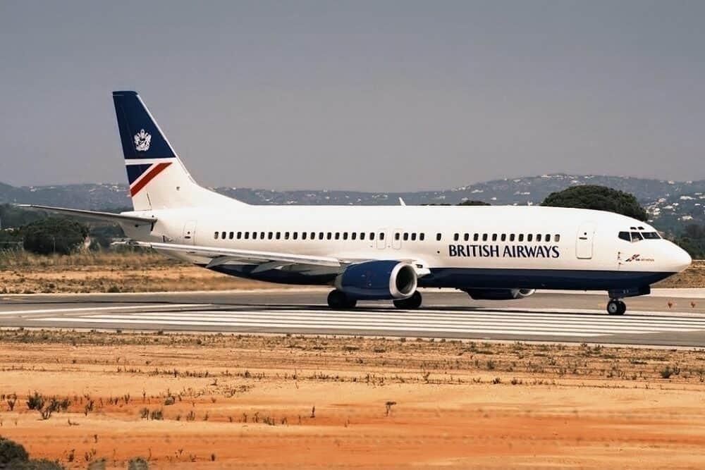 Boeing_737-400,_British_Airways_(GB_Airways)_JP5945176
