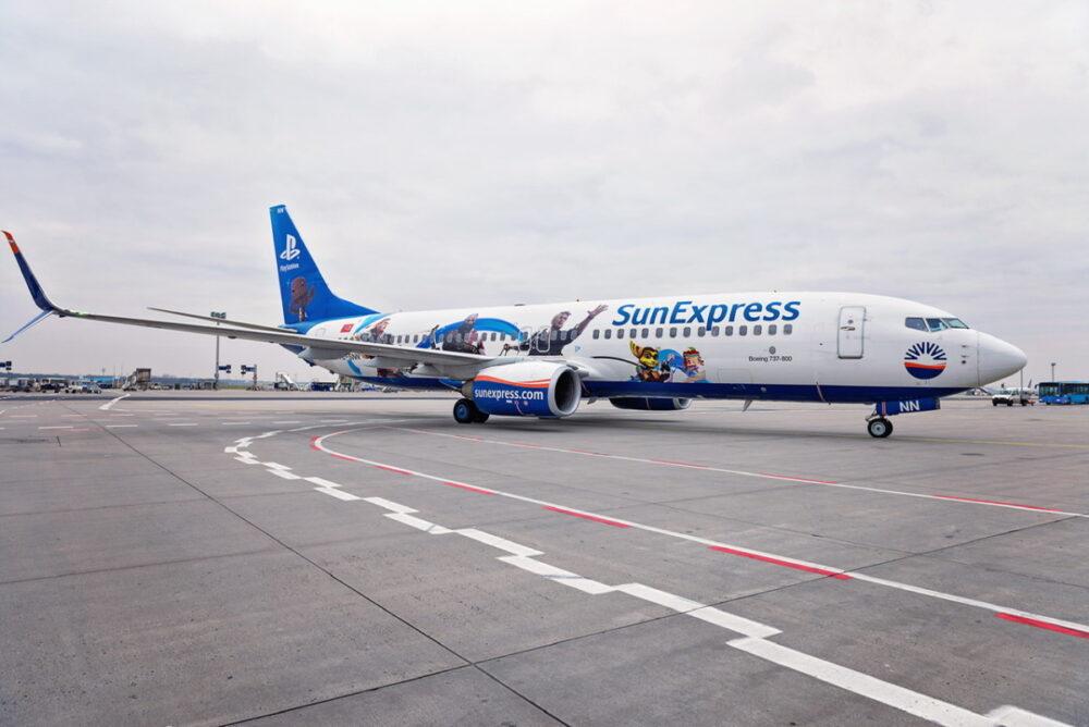SunExpress Plane