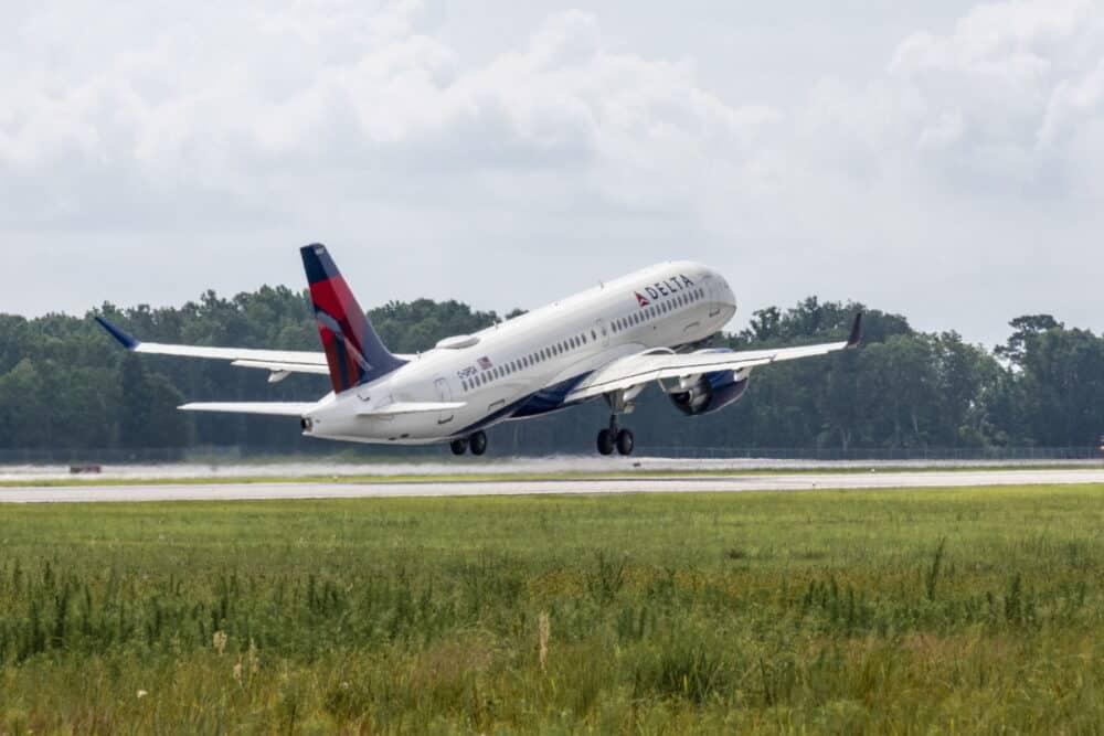 Delta A220-300 maiden flight