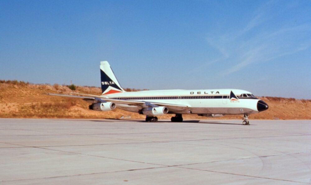 Delta Convair 880