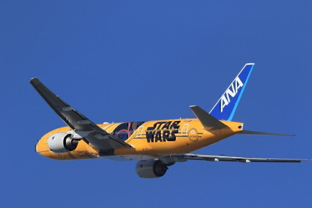 ANA Star Wars C3PO plane