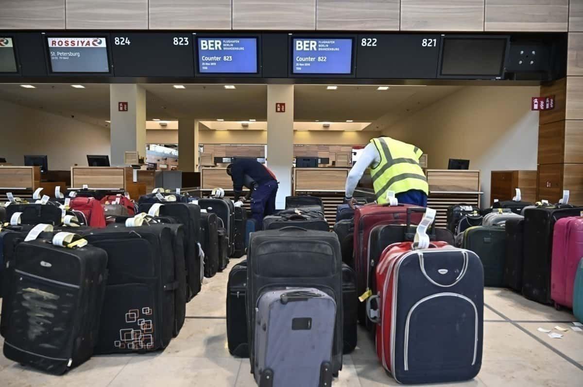 Baggage handlers at Frankfurt