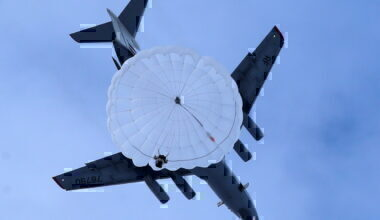 Plane parachute