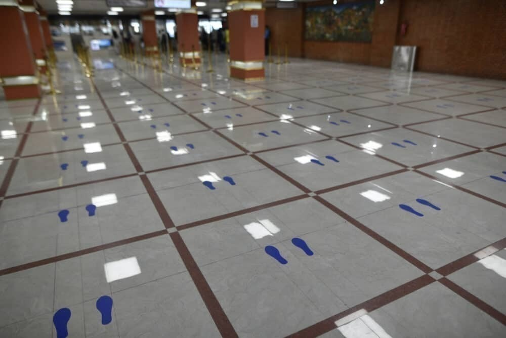 Social Distancing Airport