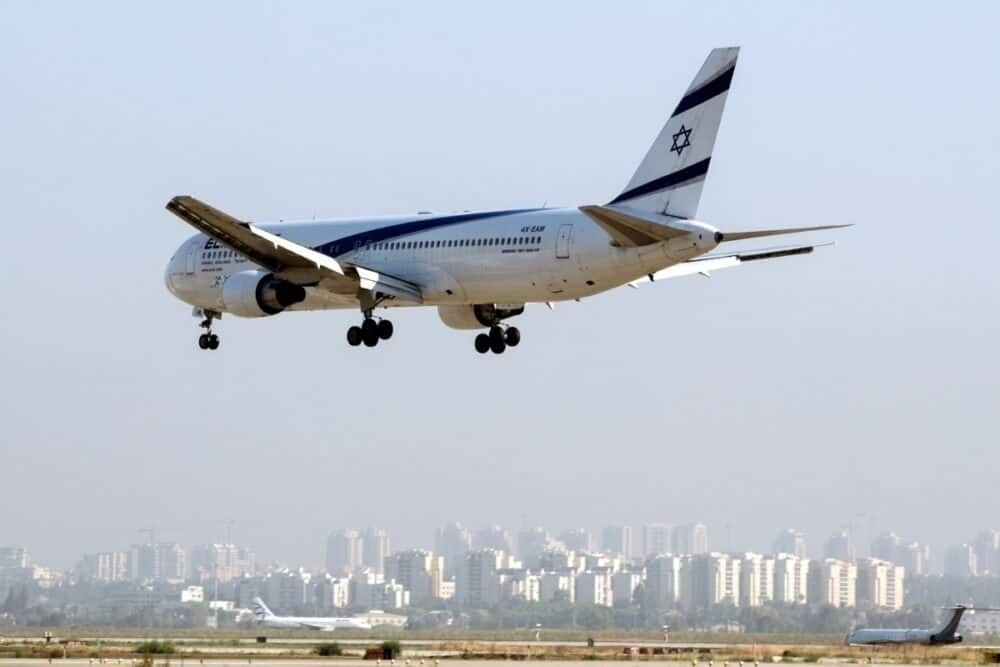El Al 767 in flight, Ben Gurion
