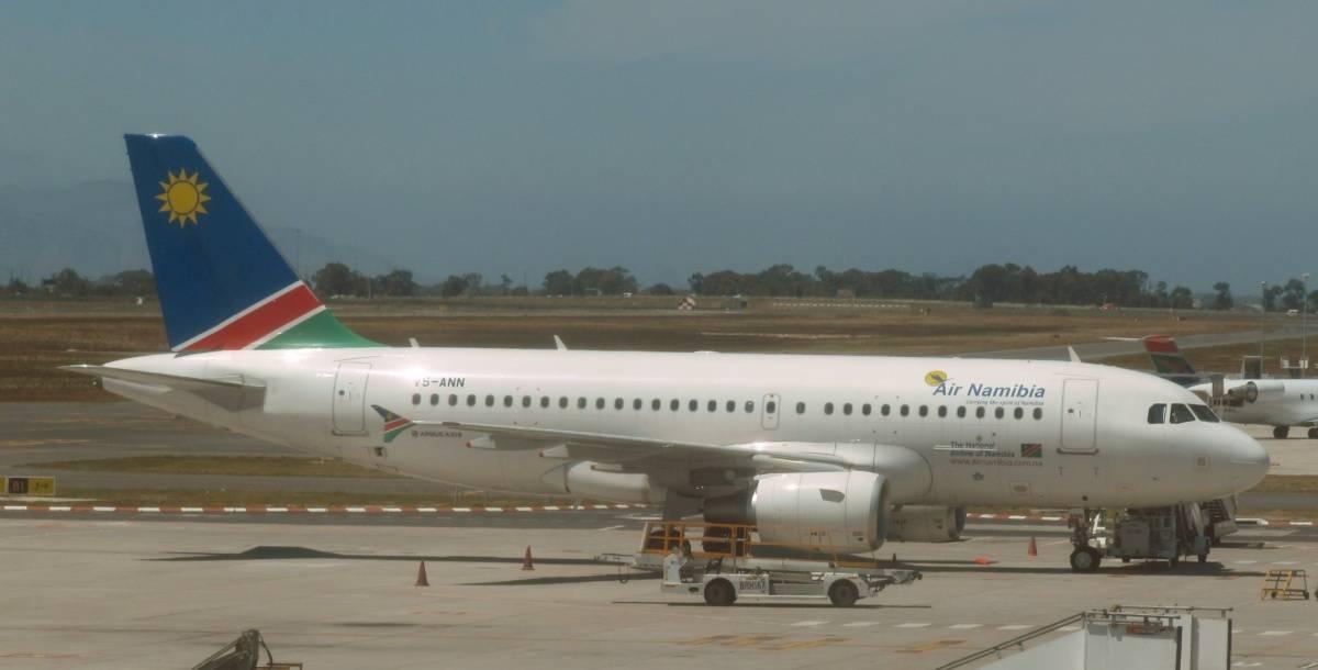 Air Namibia 737