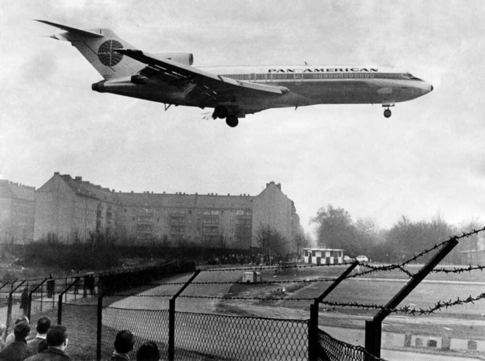 Pan Am jet