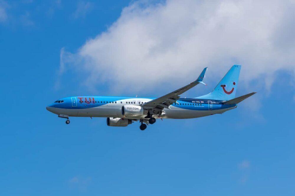 TUI 737