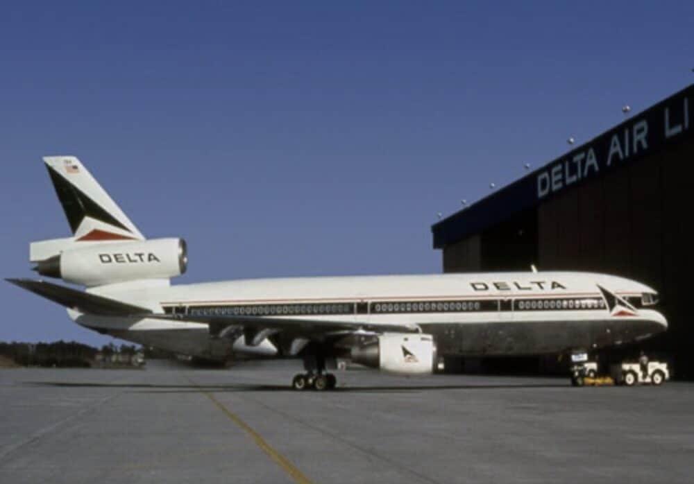 Delta DC-10