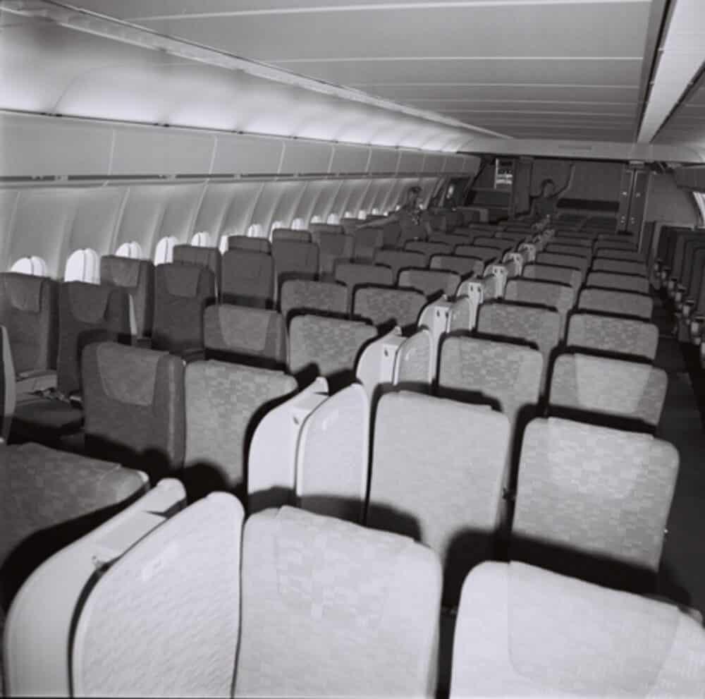 Douglas DC-10 Interior