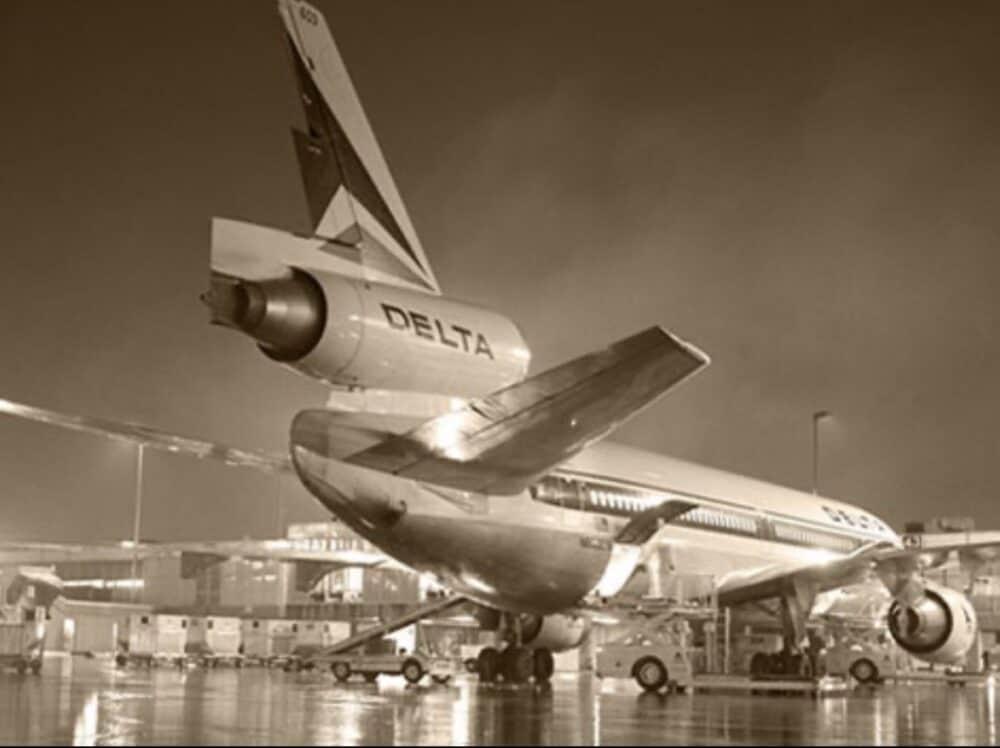Douglas DC-10 Tail
