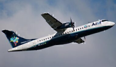 Azul airlines draws logo in sky