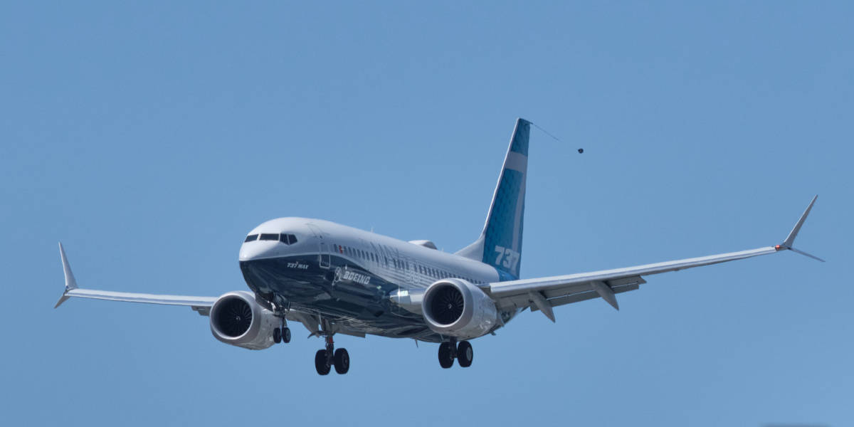 737 MAX 7 in flight