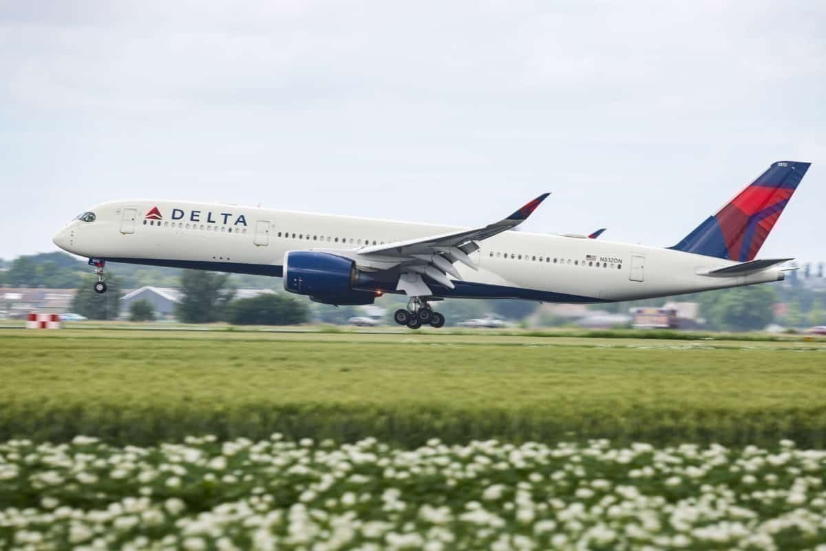 Delta Air Lines take-off