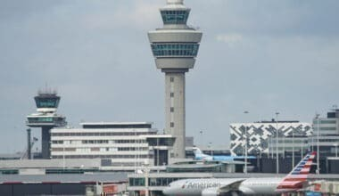 Air Traffic Control Tower American 787