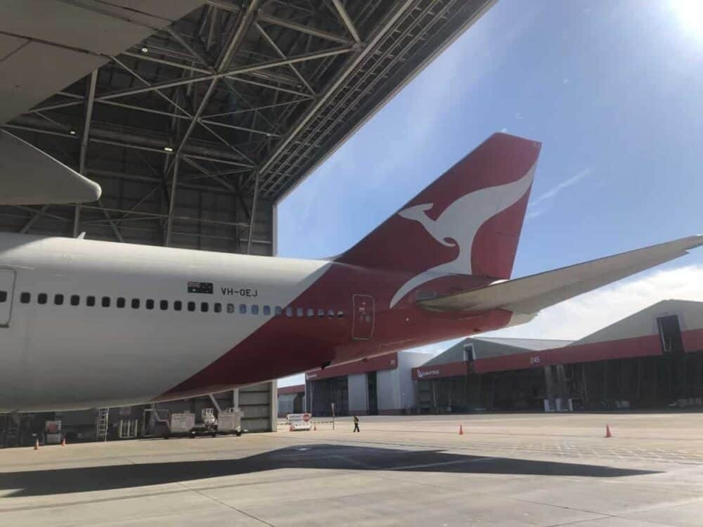 Qantas' Last Boeing 747 Leaves Australia: A Bittersweet Goodbye