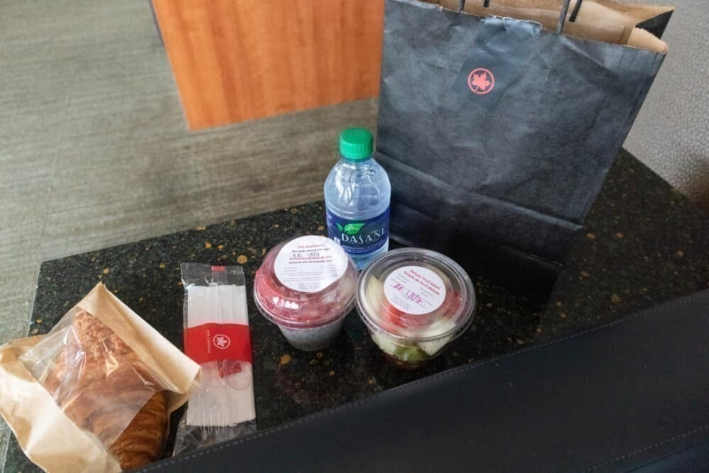 Simple Flying Reviews Air Canada's New COVID-19 Precautions