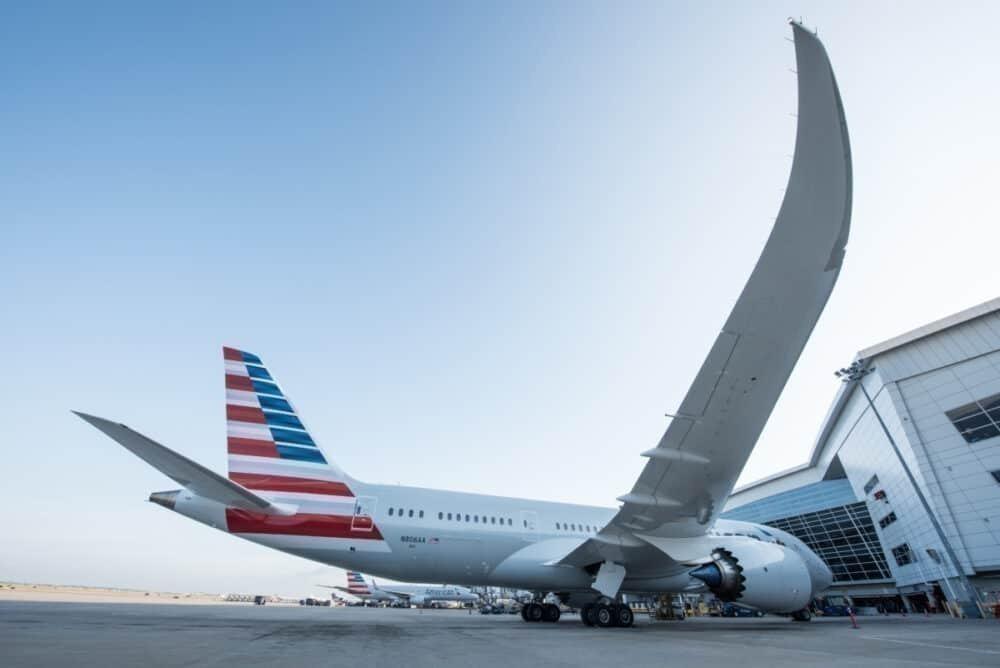 American-airlines-staff-furlough