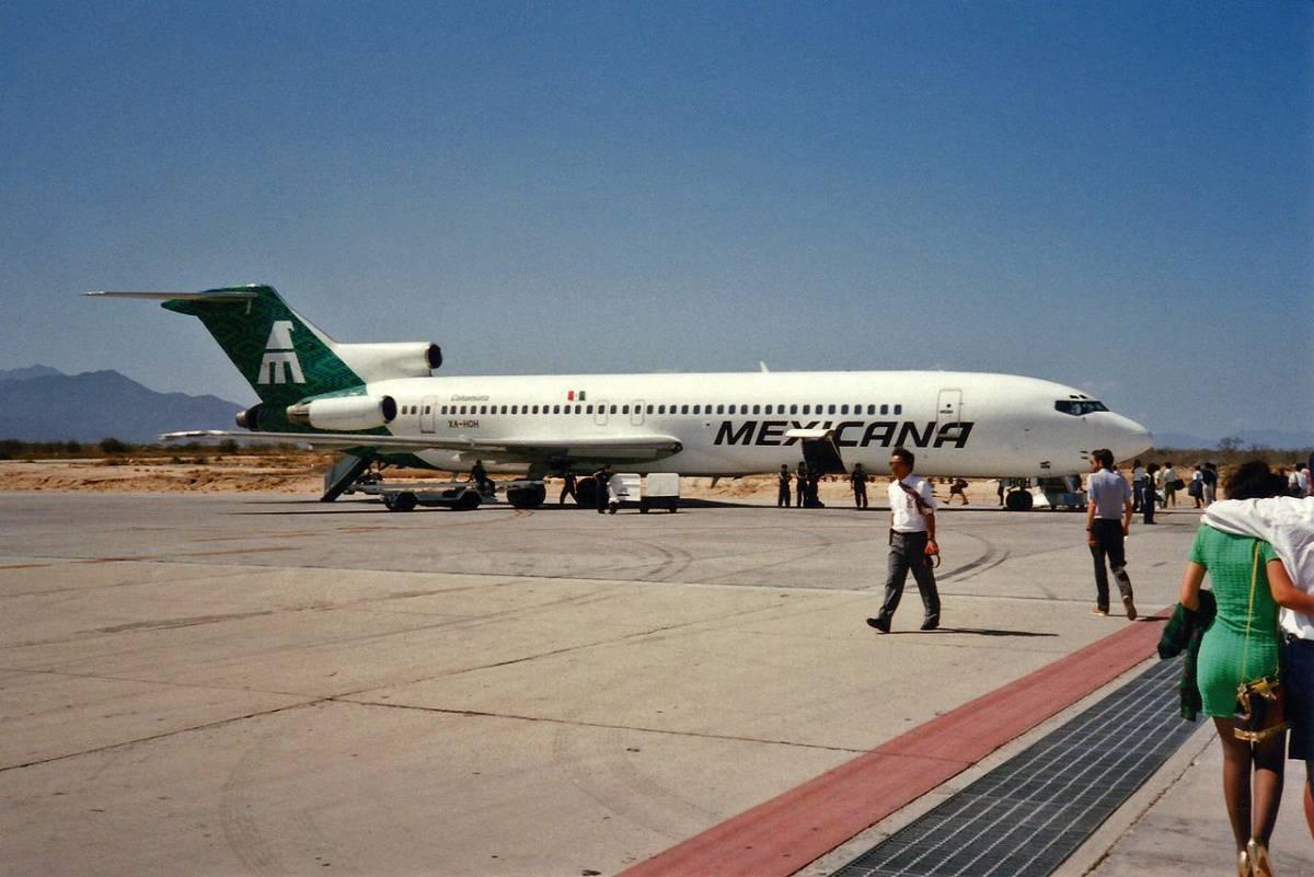 Mexicana_Boeing_727-264-Adv_XA-HOH__Cohamiata_