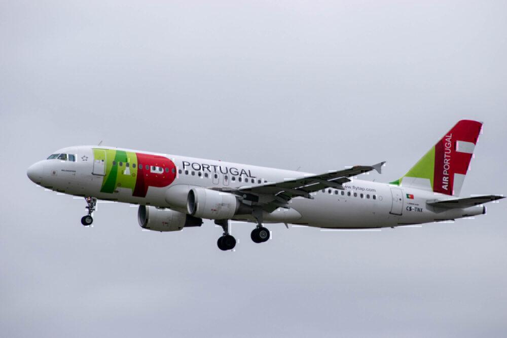 TAP, CS-TNX in flight