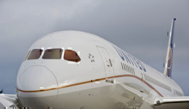 united airlines UA-2811 returned to Amsterdam after reporting airframe vibrations. Photo: United Airlines