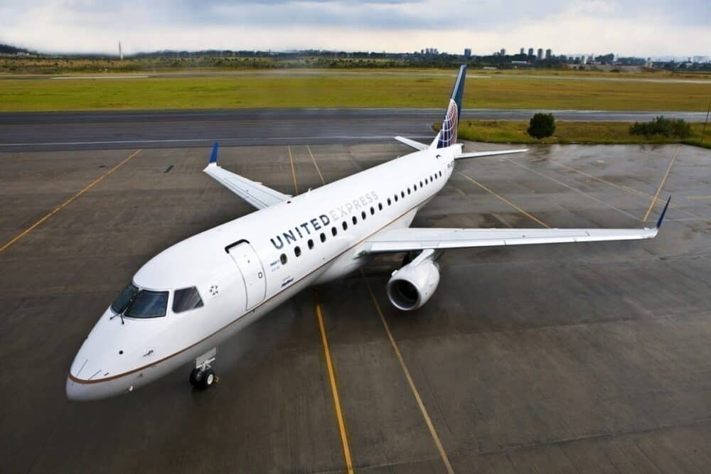 United Express E175