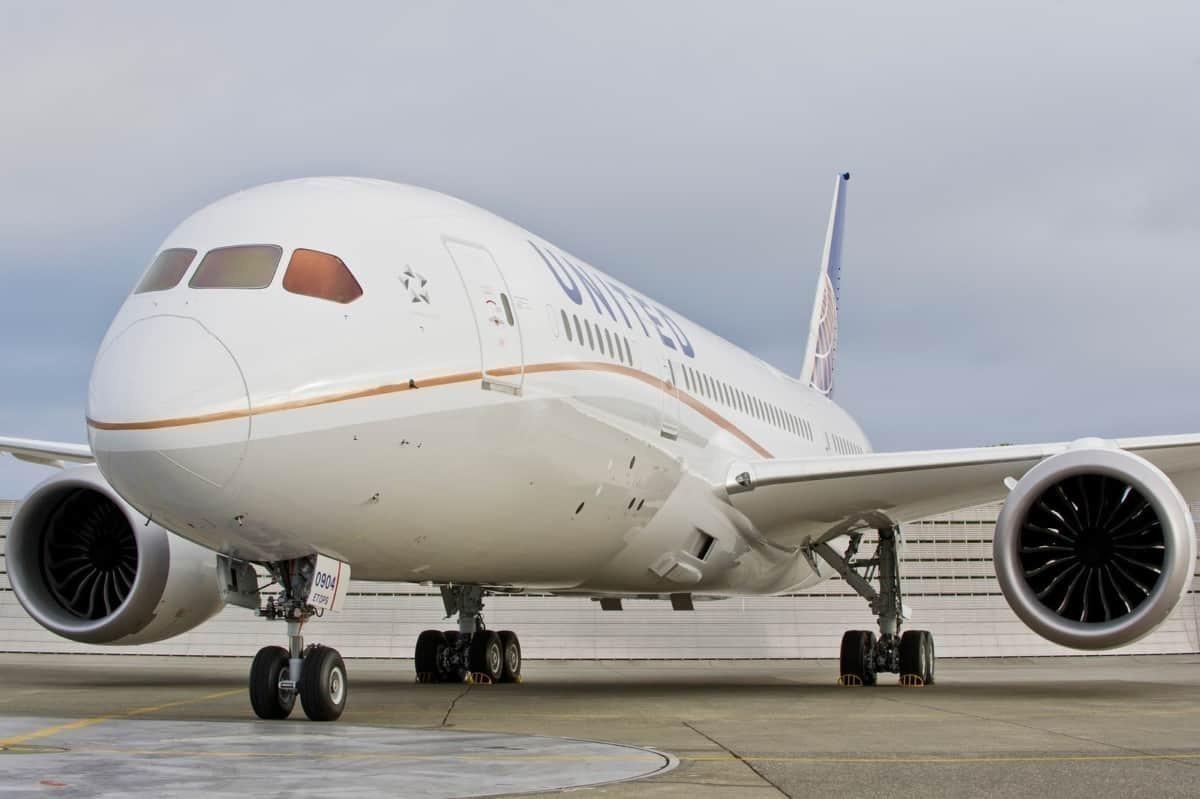 United-787-LAX-Base