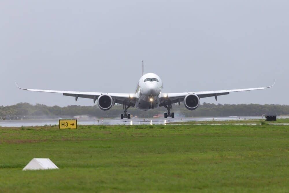 A350 landing Brisbane