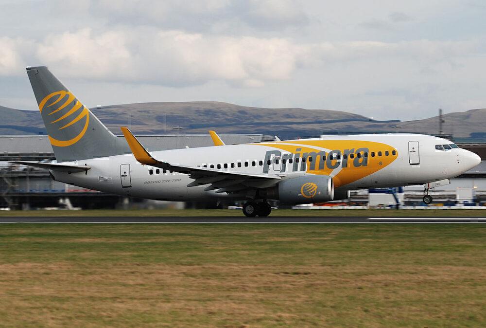Primera Air B737-700 take off