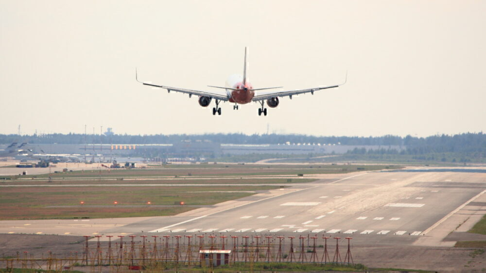 Aircraft landing sideways