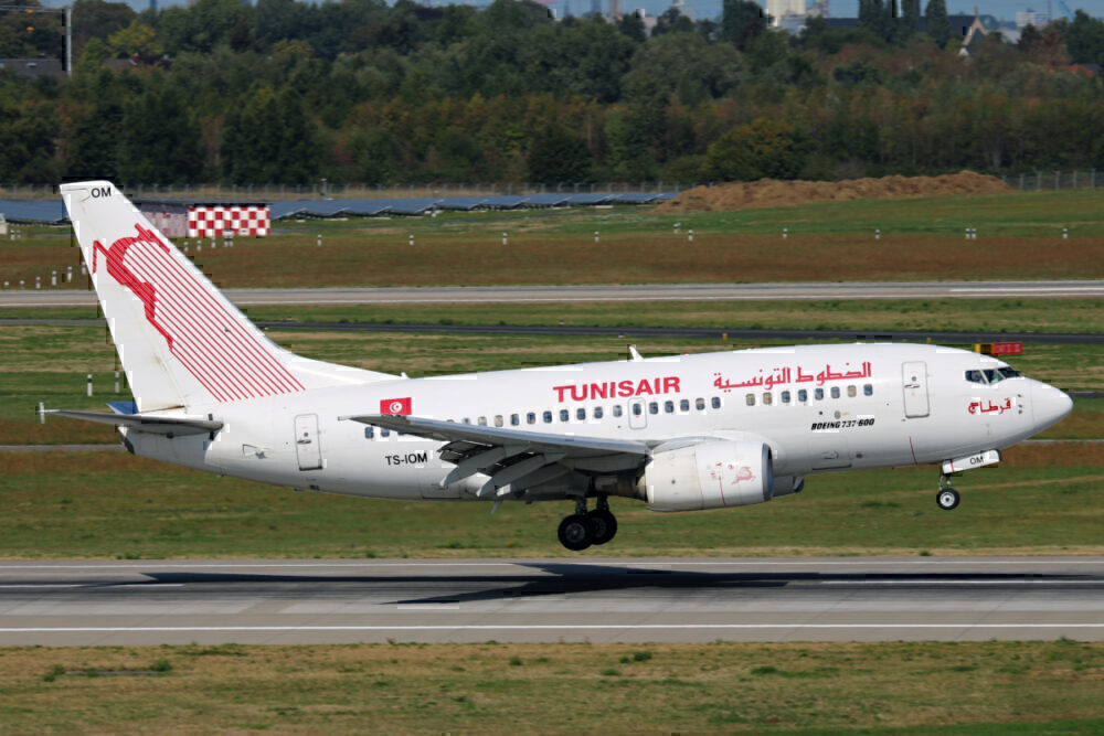 Tunisair 737-600
