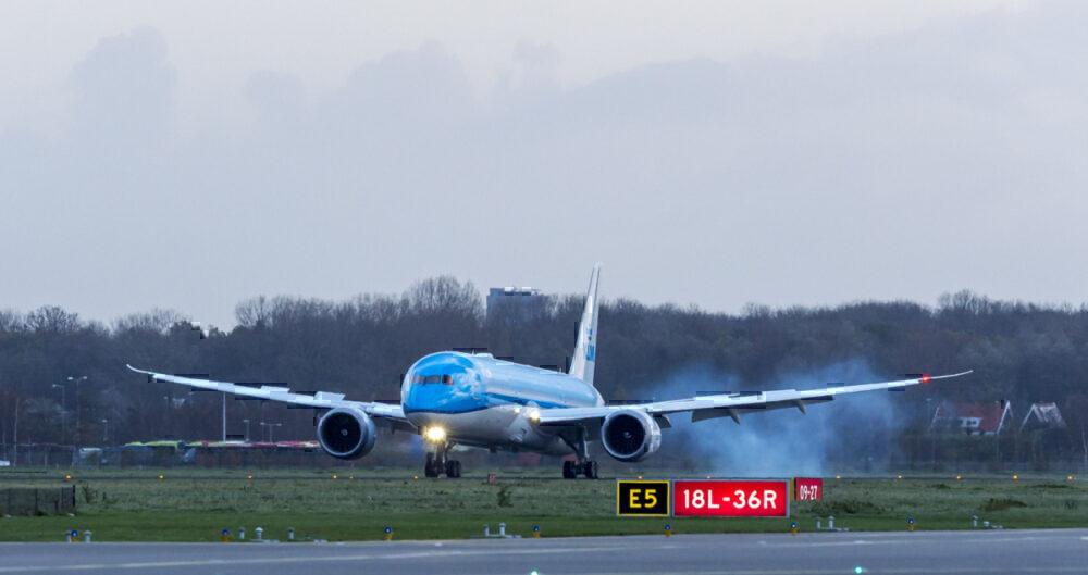 787-10 DL arrival