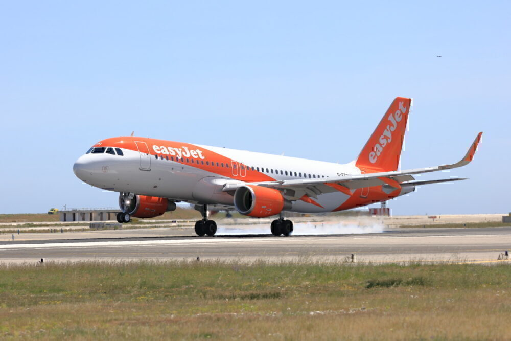 Easyjet a320 british london israeli sued discrimination
