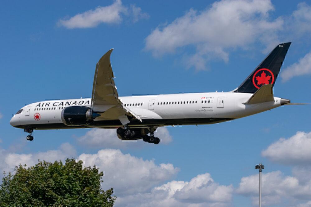 Air Canada Dreamliner in flight