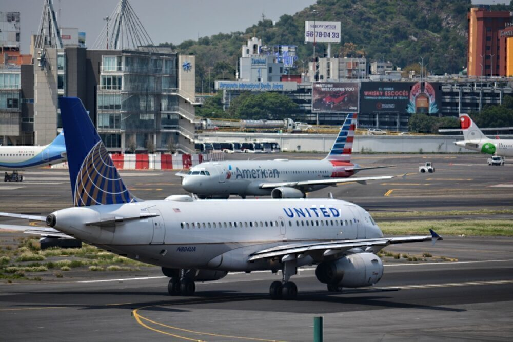 US Airlines Begin Furloughing Staff As Government Aid Runs Dry