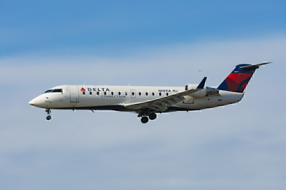 Delta connection CRJ 200 getty