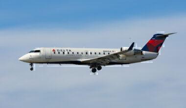 Delta connection CRJ 200 getty