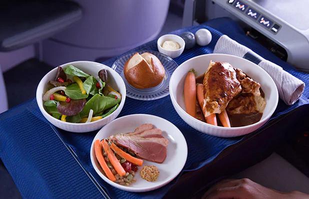United Premium transcon meal