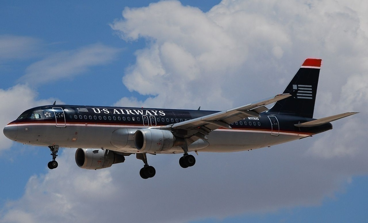 US AIRWAYS A320-214 N111US (2522657205).jpg