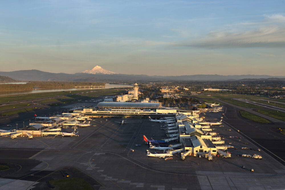 Airlines parked at PDX